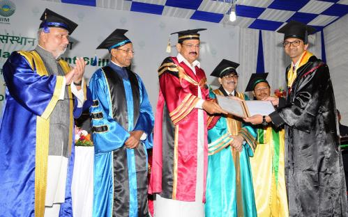 The Vice President, Shri M. Venkaiah Naidu presenting the Medals to the Students, at the 9th Convocation of Indian Institute of Management, in Shillong, Meghalaya on April 16, 2018